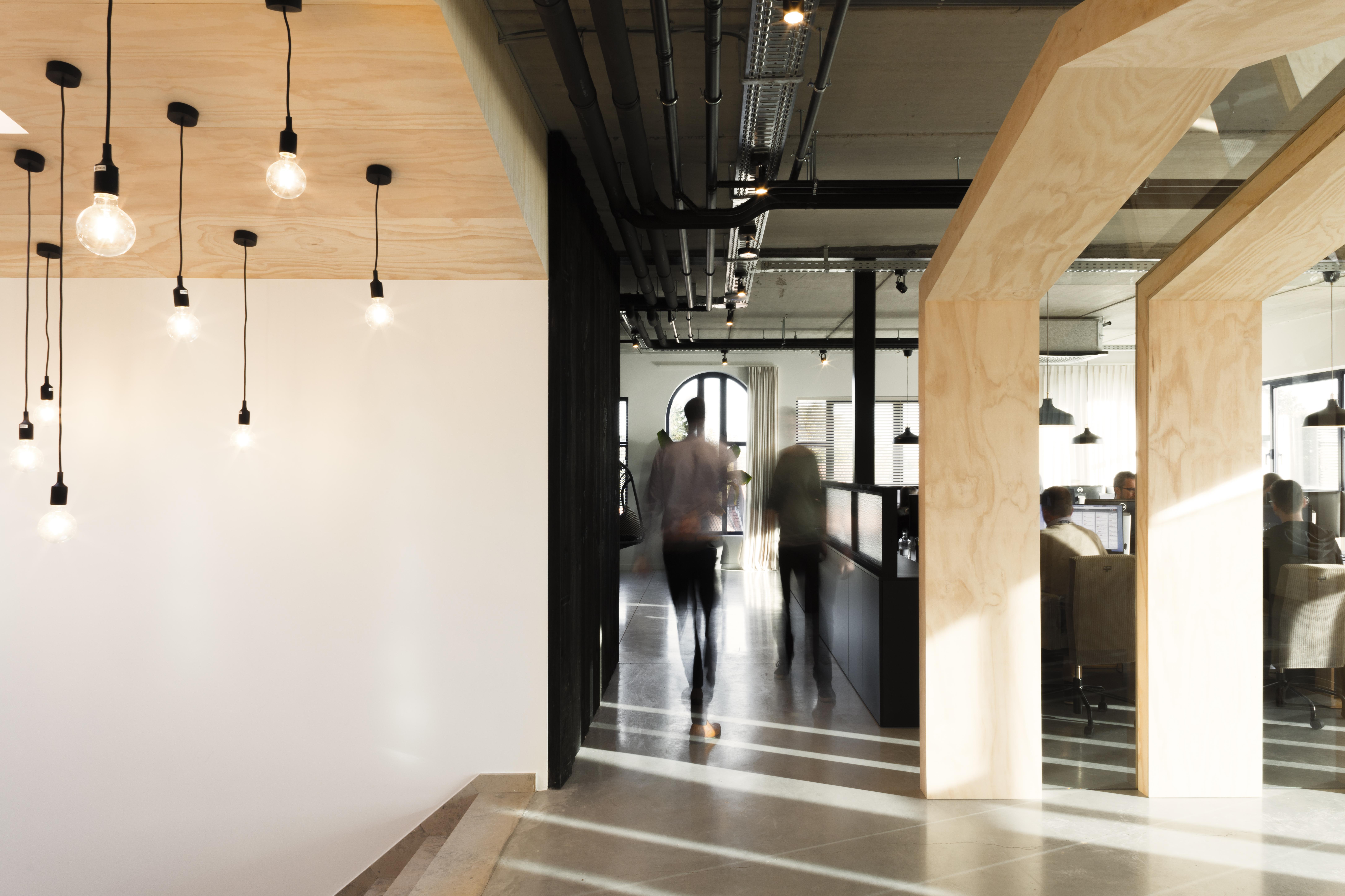 Kantoor Van Kapero : Kantoor van kapero afbeeldingsresultaat voor treinbank kantoor